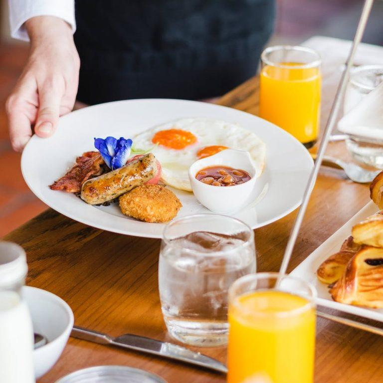 cameriere_colazione