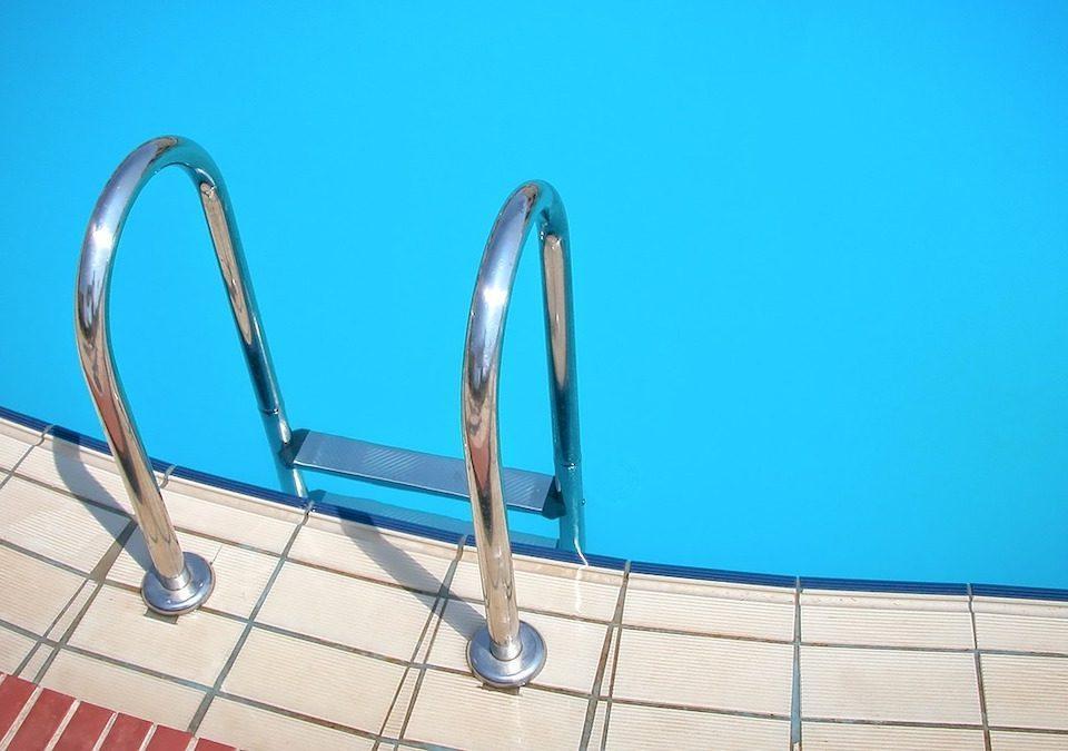 scaletta-piscina